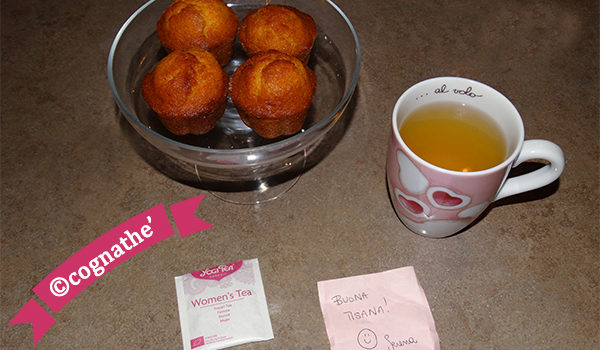 Ricetta muffin al sapore di Madeleine con tisana women's tea yogi tea cognathe ricette, cucina, the, tisane, muffin, madeleine, yogi, yogi tea, donne, women, zenzero, liquirizia, finocchi, cognathe