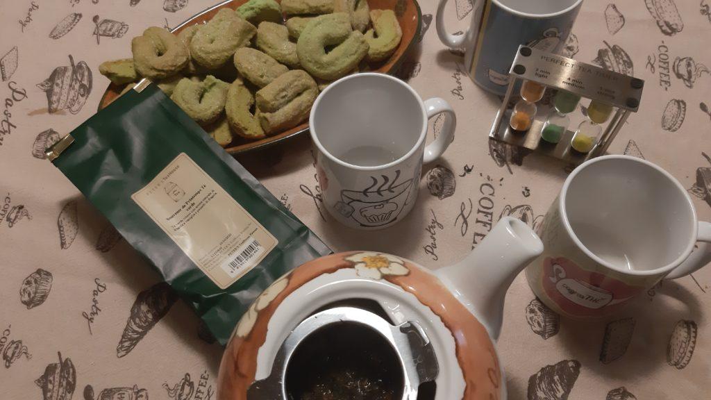 Degustazione di tè a casa, tè, the, tea, tisana, infusi, infusione, cognahe, cognathe blog, blog, ricette, dolci, biscotti, infusi, tè verde, PETER'S TeaHouse, Souvenier de Printemps