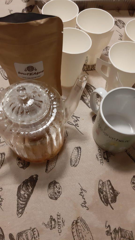 Degustazione di tè a casa, tè, the, tea, tisana, infusi, infusione, cognahe, cognathe blog, blog, ricette, dolci, biscotti, infusi, tè nero, tè earl grey, earl grey, bouTEAque, torta con oreo, oreo, dolce con oreo, dolce oreo, torta oreo