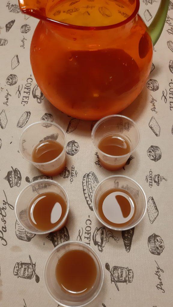 Degustazione di tè a casa, tè, the, tea, tisana, infusi, infusione, cognahe, cognathe blog, blog, ricette, dolci, biscotti, infusi, aperitivo a base di tè, twinigs, pure ceylon tea, cockatil con tè