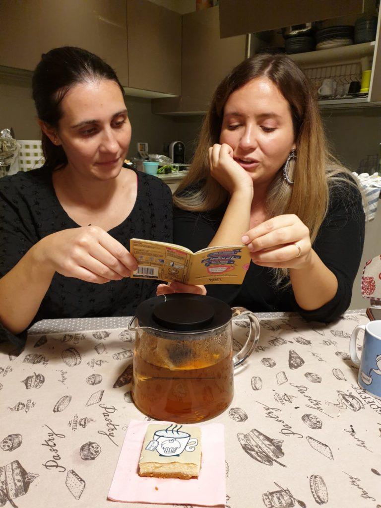 Degustazione di tè a casa, tè, the, tea, tisana, infusi, infusione, cognahe, cognathe blog, blog, ricette, dolci, biscotti, infusi, NarraTE', la lettura ha scoperto l'acqua calda, tè rooibos, rooibos, lettura nel tempo di infusione, limone, girasole