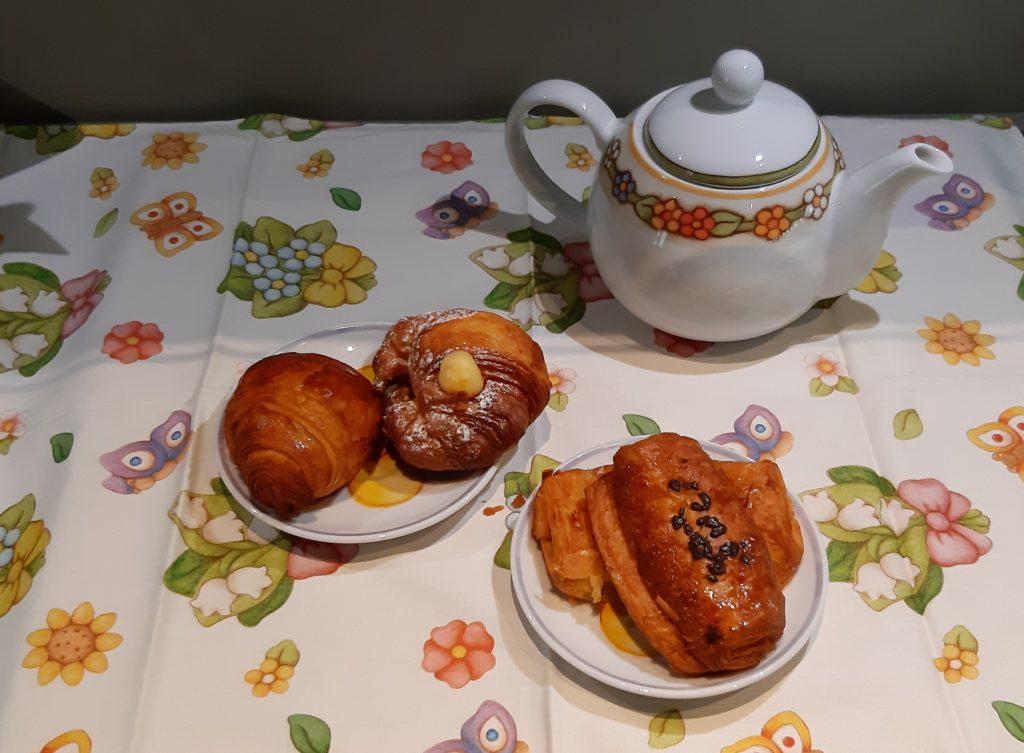tè rosso cinese, cognaTHE', TeaTips, scatola del tè, tè rosso